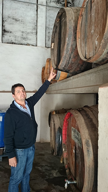 Representative of the Fourth Generation Destilerías Plà. The company lives with him a period of modernization.