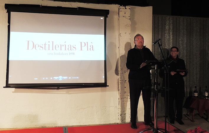 José Mateu Pla performs his speech at the celebration of the 125th anniversary of Destilerías Plà